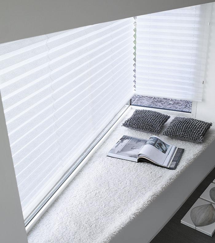 plissee im excellent victoria m easyfix plissee with plissee im cool plissees fr dachfenster. Black Bedroom Furniture Sets. Home Design Ideas